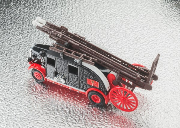 LeylandCub_rear_1200pix