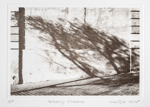 Folding Shadow. Plate of 140x200mm (Puretch film on copperplate). Image size, 130x190mm. Ink Charbonnel Aqua Wash Sèpia Naturelle over Hahnemühle Bamboo paper of 265g/m2